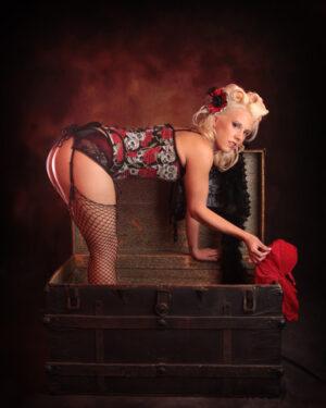 Sexy Arizona boudoir pin up